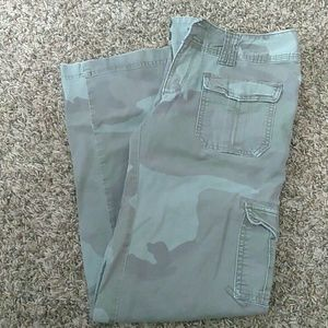 d57641c3ff752 Green American Eagle Outfitters Cargo Pants on Poshmark